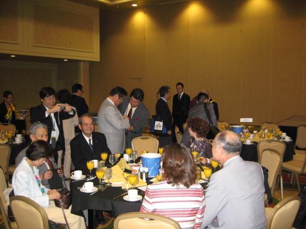 日本人朝食会
